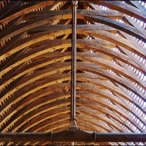 Voûte toit charpente château de Guédelon bois travail du bois