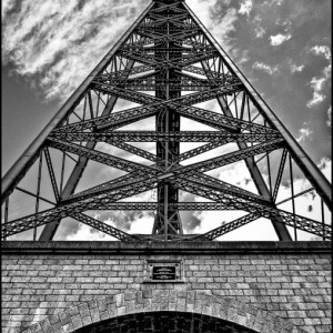 Viaduc de Garabit la Truyère Lozère France pont structure métallique Gustave Eiffel