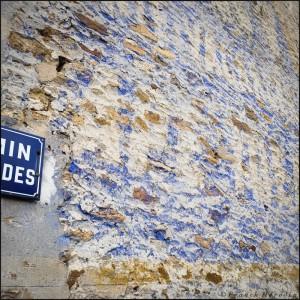 mur publiciaire affiche arrachée flânerie