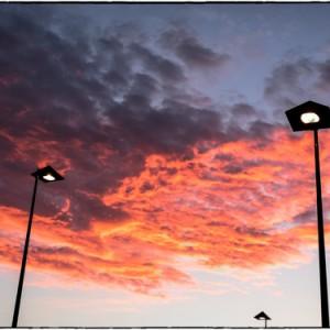 lampadaire soleil nuage lever de soleil aire des volcans d'Auvergne France