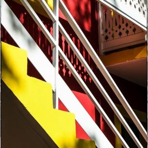 escalier porte jaune Vincennes Val de marne Paris bois de Vincennes