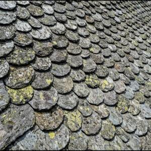toit lauze tuile toiture Nasbinals Lozère France