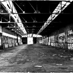 friche tag graffiti entrepôt désaffecté art de la rue street art